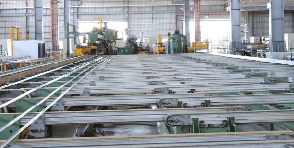 鋁擠型機台